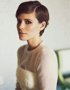 Kate Mara - good in-between growing out pixie Pixie Hairstyles, Pixie Haircut, Pretty Hairstyles, Hairdos, Kate Mara Pixie, Pixie Styles, Short Hair Styles, Mara Sisters, Grown Out Pixie