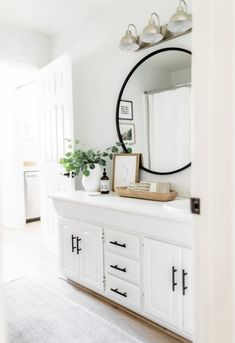 Guest Bedroom Office, Master Bedroom, Family Room Walls, Bedroom Wall Colors, Upstairs Bathrooms, Bathroom Renos, Living Room Kitchen, Dining Room, Home And Deco