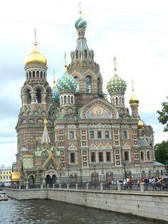 St Sauveur du Sang versé construite sur le lieu de l'assassinat d'Alexandre II - Saint Pétersbourg