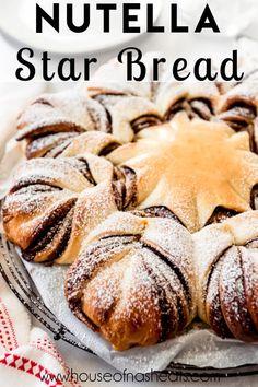 Nutella Star Bread, Braided Nutella Bread, Braided Bread, Chocolate Banana Bread, Basic Glaze Recipe, Baking Recipes, Dessert Recipes, Bread Recipes, Desserts