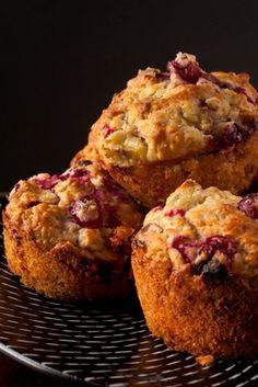 Strawberry Rhubarb Muffins   Fooduoso