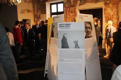 Il pubblico visita una delle esposizioni presenti in Abbazia di Rosazzo UD Italy in occasione della seconda edizione di IWD Italian Workshop Design 2012.