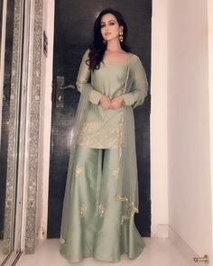 Silky Short Length Straight Shirt With Plazo - Pakistani dresses Desi Wedding Dresses, Pakistani Formal Dresses, Shadi Dresses, Pakistani Dress Design, Beautiful Pakistani Dresses, Designer Party Wear Dresses, Indian Designer Outfits, Indian Outfits, Pakistani Designer Clothes