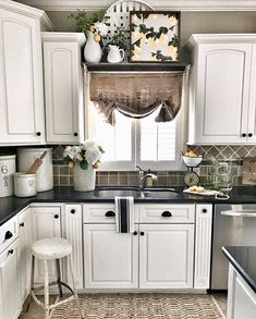 Kitchen Makeover I like what they did above the sink I also have that kind of room! A Fresh Approach to Farmhouse Design - Farmhouse kitchen backsplash ideas that are both welcoming and functional. Check out the best designs and enhance your kitchen! Kitchen Cabinets Decor, Farmhouse Kitchen Decor, Kitchen Redo, Kitchen Backsplash, Country Kitchen, New Kitchen, Kitchen Dining, Farmhouse Design, Backsplash Ideas