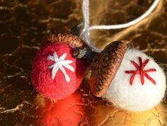 Oriešky ako pre Popolušku:) Plstené vianočné ozdoby si dokážete vyrobiť vlastnými rukami. Nádherná práca. Autor: katkap. Vianoce, advent, vianočné ozdoby, vianočné dekorácie, plstenie, hand made, diy. Artmama.sk