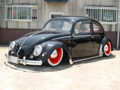 .Nice Black Oval Window VW Beetle