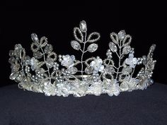 fairy crown: Note all twisted wire & beads