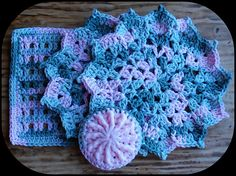 [Free Pattern] The Easiest And Quickest Flower Dishcloth Ever! - Knit And…