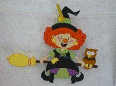 Μικρή μάγισσα και τη σκούπα Sorciere Halloween Deco, Halloween Kids, Halloween Crafts, Diy For Kids, Crafts For Kids, Halloween Karneval, Decorative Tile, Minnie Mouse, Paper Crafts