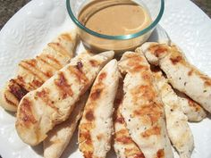 Sandy's Kitchen: Grilled Chicken with Peanut Sauce (TSFL) (note from Brooke - instead of red pepper flakes, I added a pinch of smoked paprika) yum!