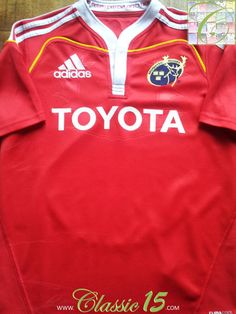 Relive Munster's 2009/2010 season with this vintage Adidas home rugby shirt.