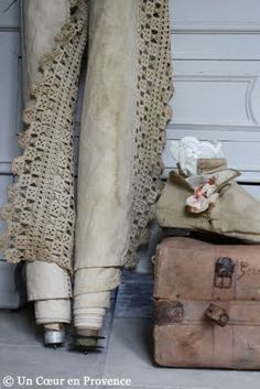 ..linen and lace ....