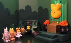 """The Peep Behind the Curtain/A scene from """"The Wizard of Oz  #ExpressYourPeepsonality"""