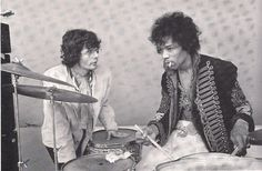 Jimi Hendrix plaing drums and Al Kooper