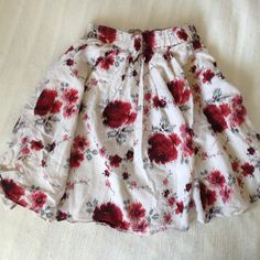 Floral Skirt This skirt is beautiful and I hate to get rid of it, but it's too windy here. Barely worn, no signs of wear, built in slip so it's not see through. TTS may fit a small because the bad is elastic American Eagle Outfitters Skirts A-Line or Full