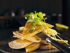 Käse-Tortillas (Quesadillas) ist ein Rezept mit frischen Zutaten aus der Kategorie Getreide. Probieren Sie dieses und weitere Rezepte von EAT SMARTER!