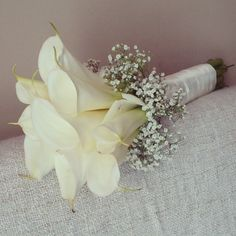 Calla lilies and baby's breath bouquet