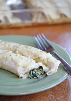 Creamy Chicken & Spinach Enchiladas ~ freezer friendly! | 5DollarDinners.com