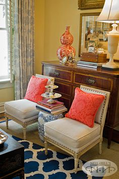 I love the color combo of coral and navy.