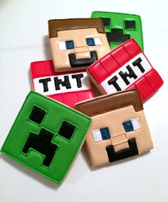 Minecraft cookies look how cute. Minecraft Cookies, Minecraft Party, Minecraft Birthday Cake, Minecraft Cake, Minecraft Crafts, Minecraft Ideas, Minecraft Skins, Iced Cookies, Cute Cookies