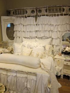 Shabby Chic Cottage Decor | Repinned from shabby chic by sandra blanks