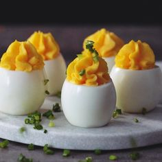 This basic deviled egg recipe is easy and delicious! Chef Holiday Recipes Made Easy Plus: More Appetizer Recipes and Tips . Basic Deviled Eggs Recipe, Bacon Deviled Eggs, Egg Recipes, Wine Recipes, Cooking Recipes, Pastry Recipes, Omelettes, Brunch Appetizers, Appetizer Recipes