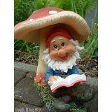 Gartenzwerg mit Buch unter Pilz Gartenfigur #gartenzwerg #buch #pilz #gartenfigur #gartenartikel