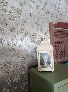 Wallpaper Elena (Silver metallic, Anthracite, Beige, Cream) | Wallpaper from the 70s Cream Wallpaper, Luxury Wallpaper, Home Wallpaper, Silver Wallpaper Metallic, Silver Walls, House Entrance, Basic Colors, Decoration, Surface Design