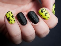 Yellow and black nails. For more fashion and wedding inspiration visit www.finditforweddings.com Nail Art