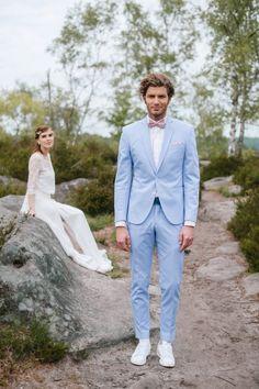 Men's wedding outfit: proposals for a unique and stylish look - mansuit Costume Bleu Ciel, Costume Marie Bleu, Smoking Azul, Sky Blue Suit, Blue Suit Men, Light Blue Tux, Summer Wedding Suits, Summer Suits, Wedding Groom
