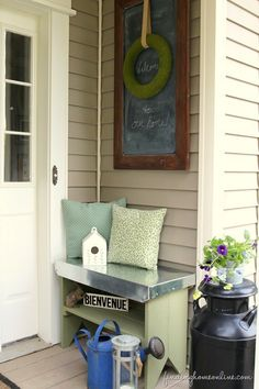 DIY Projects | I love the mix of wood and metal in this rustic wood porch bench with galvanized metal top!