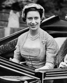 Princess Margaret on her way to the opening meeting of Royal Ascot horse-racing event near Windsor in Berkshire, June 1952. (Getty Images)