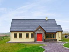 PRICE FROM £216.00 PW SLEEPS 7 BEDROOMS 4 BATHROOMS 2 PET FREE This charming cottage is set in a rural location, one mile from the town of Waterville in County Kerry and sleeps seven people in four bedrooms