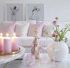 Shabby Chic Pink Sofa Ideas to Brighten Up Your Living Room 26 Living Room Interior, Living Room Decor, Bedroom Decor, Decor Room, Pastel Room Decor, Pastel Living Room, Pink Living Rooms, Blush Living Room, Pink Home Decor