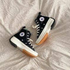 Dr Shoes, Swag Shoes, Hype Shoes, Me Too Shoes, Black Shoes, Mode Converse, Converse Shoes, Shoes Sneakers, Black Converse