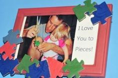 Show dad or grandpa that you love him to pieces with this cute puzzle piece picture frame for Father's Day!