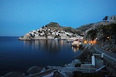 Hydra evening view!! #yachtvacation #sailingvacation #yachtchartergreece #hydra #poros #spetses #argosaronicislands #sailingdaytrip #sailingboatcharter #ribcharter #greecevacation #greeceboatcharter