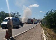 Blog Paulo Benjeri Notícias: Caminhão perde o controle, cai de ponte e pega fog...