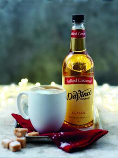 Syrop o smaku lekko słonego karmelu komponuje się z kawą i naleśnikami, napojami i lodami na bazie orzechów.