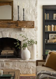magnolia homes joanna gaines Live your room decor ideas moment Home Fireplace, Fireplace Remodel, Living Room With Fireplace, Fireplace Design, Home Living Room, Living Room Decor, Fireplace Ideas, Limestone Fireplace, Whitewash Stone Fireplace