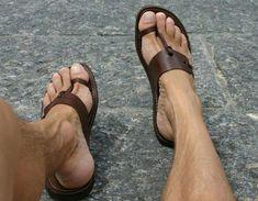 Sandália de couro, ideal para trazer estilo para os seus pés no verão.