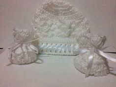 Baby hat and booties by Croroyal on Etsy