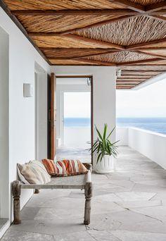 Antonio Zaninovic and Tara Bean renovate Icaria House in Cape Town