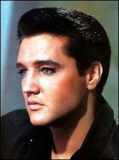 Elvis , So handsome !!