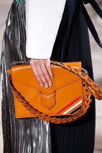 Loewe Fall 2015 Ready-to-Wear Fashion Show Details Fashion Models, Fashion Show, Fashion Design, Ski Fashion, Orange Bag, Day Bag, Fall 2015, Small Bags, Shoulder Handbags