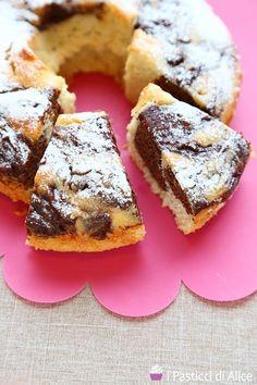 Ricotta and Egg Whites Ring Cake