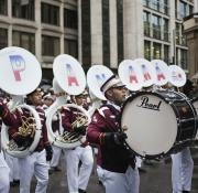 Músicos del Colegio Moisés Castillo Ocaña, de La Chorrera, en el desfile del Día de Año Nuevo, en Londres. Foto Xinhua/Andrea Baldo
