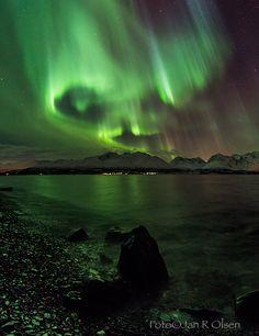 Auroras boreales desde Lyngen, Noruega.-