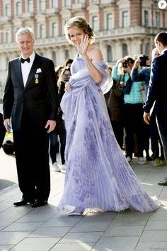 Le roi Philippe et la reine Mathilde de Belgique - Les invités du roi Carl Gustav de Suède arrivent au Banquet organisé en l'honneur de son 70ème anniversaire au palais royal à Stockholm le 30 avril 2016.