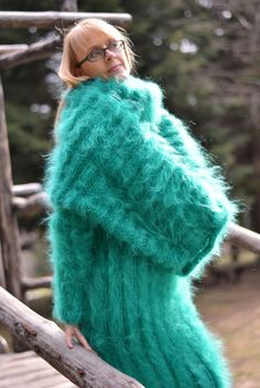 Dukyana Hand Knitted Mohair Sweater Cowl Dress New Thick One Size T Neck Kleid… Fluffy Sweater, Mohair Sweater, Maxi Robes, Sweater Outfits, Knit Patterns, Cowl Neck, Female Models, Hand Knitting, New Dress